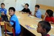 Rómskí školáci v Sečovciach.