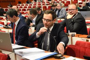 Predseda Dozornej rady DPMK a mestský poslanec Jozef Filipko je na strane vedenia dopravcu v spore s primátorom.