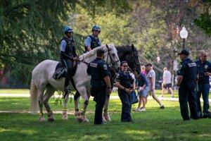 Príslušníci polície vo Washingtone.