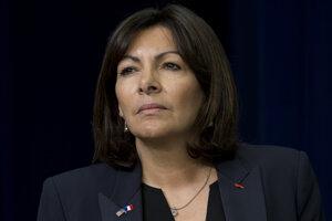 Parížska starostka Anne Hidalgová v roku 2015. Fotografia političku zachytáva počas pauzy v prejave na summite o boji proti extrémizmu v Bielom dome.