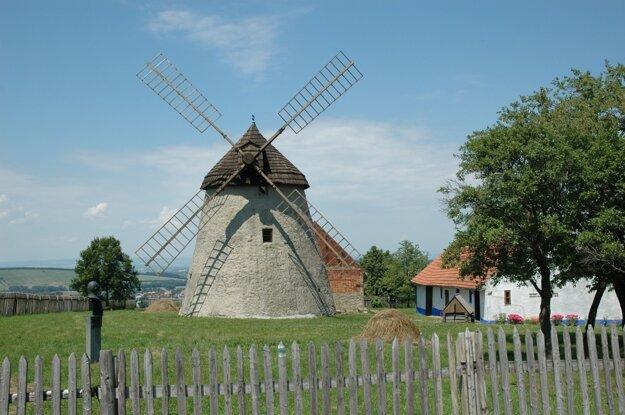 Veterný mlyn holandského typu v Kuželove.