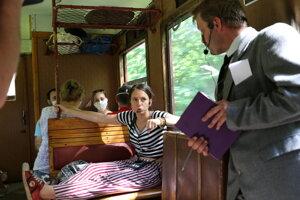 Vo vlaku návštevníkov čakal aj kultúrny program.