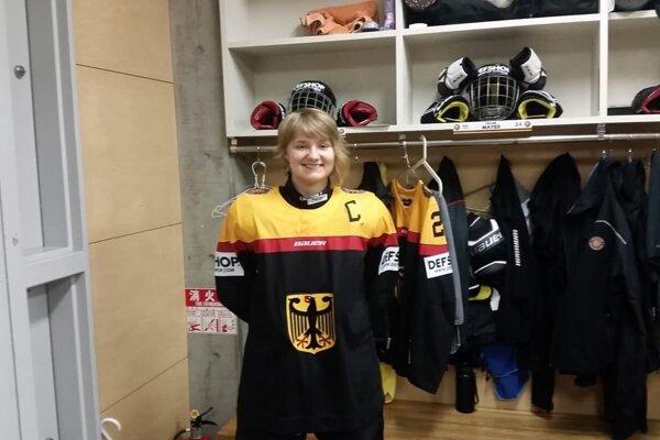 Heidi Strompf v drese Nemecka.