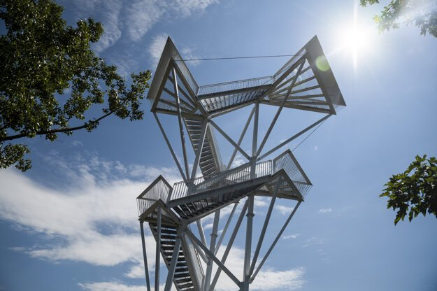 Vyhliadková veža Devínska Kobyla.