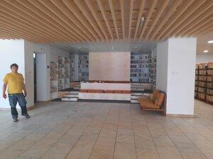 Knižnica po prerábke bude priestrannejšia, účelnejšia aj modernejšia.