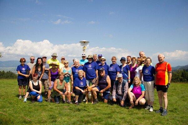Účastníci výstupu na Husný vrch.