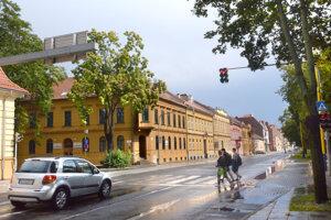 Falošné stavebné povolenie bolo vytvorené aj pre jedno z podnikateľských centier na košickej Moyzesovej ulici. Mesto nespresnilo, ktoré konkrétne to má byť.