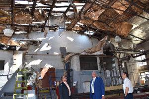 Vietor napáchal veľké škody.