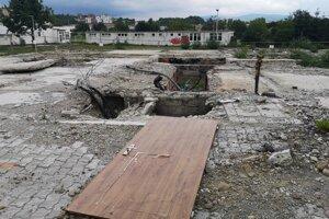 Časť vlastníkov chce stavať na základoch zbúraného bytového domu.