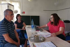 Poslanci upozornili NKÚ na bezhlavé míňanie v obci.