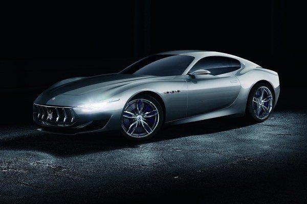 Maserati môže byť základom pre nový model Alfa Romeo.