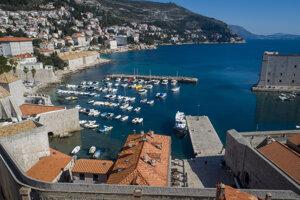Pohľad z hradieb v Dubrovniku.