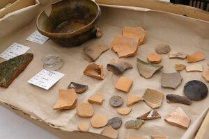 Artefakty nájdené počas rekonštrukcie Katedrály Najsvätejšej Trojice v Žiline.