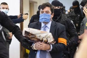 Marian Kočner prichádza na súdne pojednávanie.
