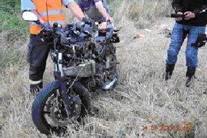 Takto dopadla motorka po zrážke motorky s traktorom medzi Trnávkou a Dargovom.