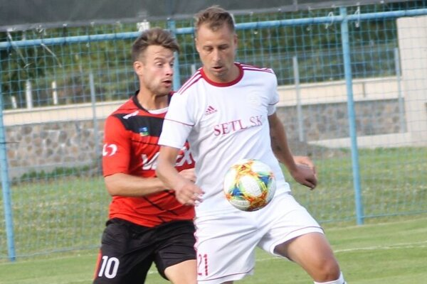 O výhre Bardejova s Liptovským Mikulášom rozhodol jeden z novicov v tíme, skúsený Filip Serečin (vpredu).