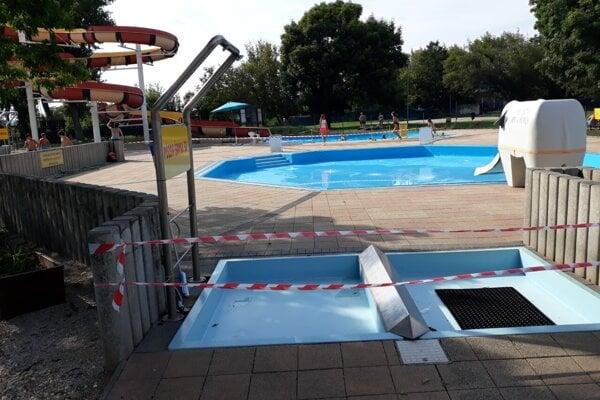 Detský bazén so sloníkom nanovo napúšťajú.
