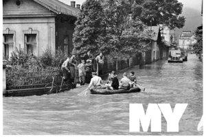Záchranárske práce prebiehali po celých Vrútkach.