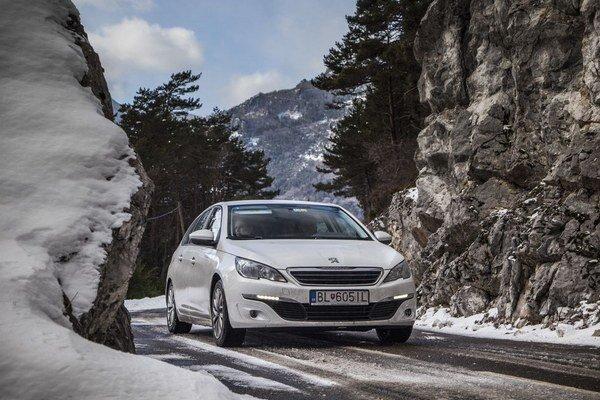 Kompaktné kombi je majstrom pohodlia a nízkej spotreby. V nízkej rýchlosti a na tratiach Rallye Monte Carlo je aj zábavné.