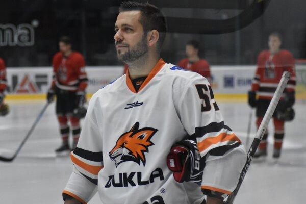 Obranné rady Humenného vystuží skúsený obranca Tomáš Valečko, ktorý hrával aj v Michalovciach.