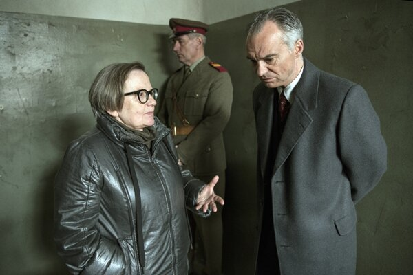 Agnieszka Holland počas nakrúcania s Ivanom Trojanom, ktorý vo filme Šarlatán stvárnil hlavnú postavu Jana Mikoláška