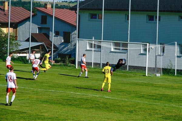 Prvý gól Kováčovej po nekompromisnej Mojžišovej strele.