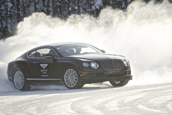V minulom ročníku si účastníci jazdy na snehu užívali model Continental GT.