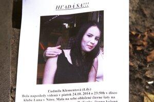 Na jeseň 2014 boli fotky Lily rozvešané po celej Nitre. Tento záber vznikol v diskotékovom klube krátko pred jej zmiznutím.