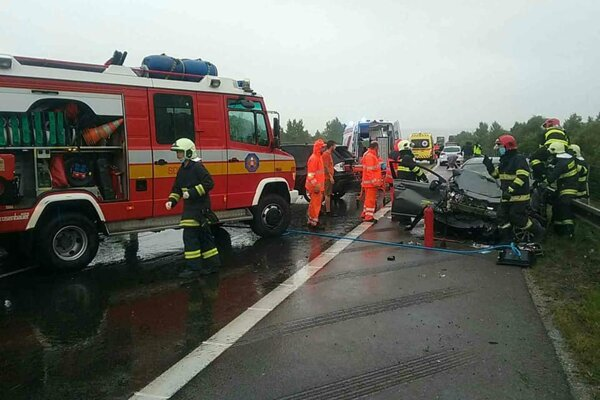 Nehoda na D1 pri Trenčíne.