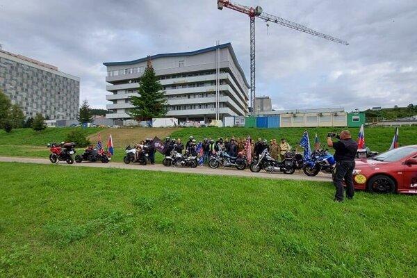 Počas SNP prišli pozdraviť malých onkologických pacientov.
