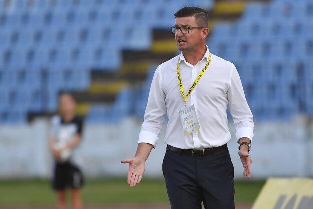 Tréner Marek Fabuľa má podľa Pavla Turczyka plnú dôveru vedenia klubu.