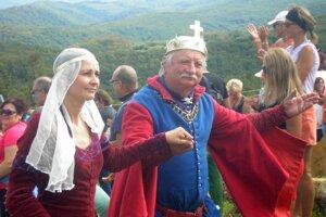 eho veličenstvo Belo IV. s manželkou.