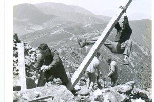 Práce na hrebeni Nízkych Tatier. Rok 1990.
