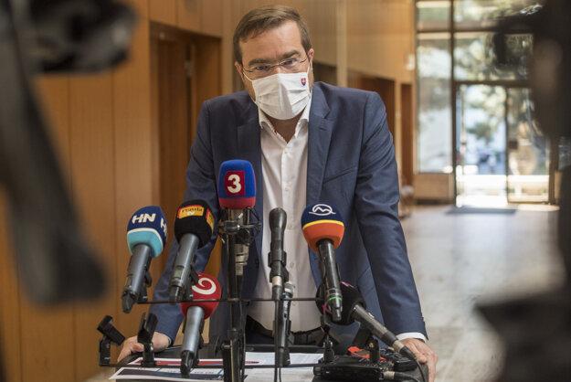 Koronavírus na Slovensku:  Marek Krajčí (OĽaNO) prichádza na 36. rokovanie vlády SR 9. septembra 2020 v Bratislave.