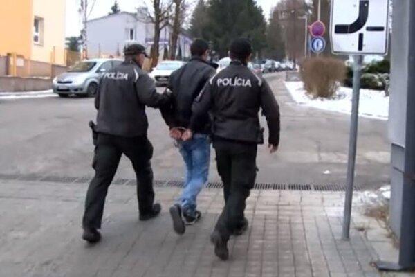 Mladíka prvýkrát zadržali policajti ešte v decembri 2017.