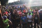 Viac ako 120 bežcov sa zapojilo do charitatívneho behu.