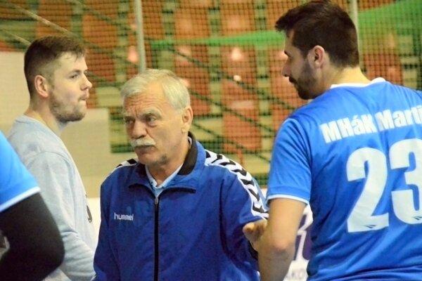 Tréner Ladislav Bíro chce so svojím tímom bojovať opopredné priečky tabuľky.