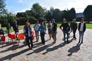 Účastníci Týždňa dobrovoľníctva v prešovskom ekoparku.