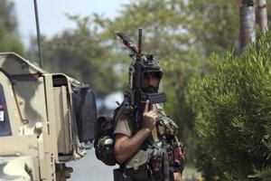 Príslušník afganských ozbrojených zložiek.