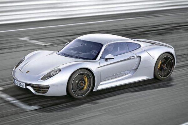 Nové Porsche 961 si automobilka cení na 310 000 eur.