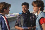 Režisér François Ozon s hercami pri nakrúcaní filmu Leto 85.
