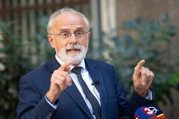 Minister pôdohospodárstva a rozvoja vidieka Ján Mičovský.