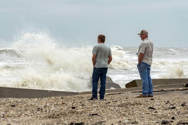 Tropická búrka Beta tento týždeň prinesie silné zrážky do častí pobrežia Texaského zálivu a Louisiany.