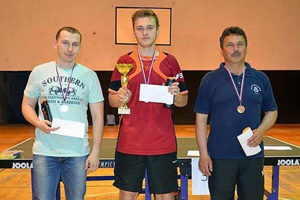 Traja najlepší v dvojhre - v strede Martin Pupík.