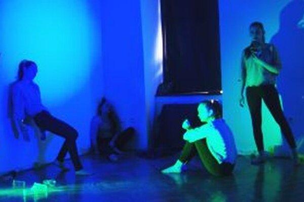 Diváci sledovali tanec na troch stanovištiach.