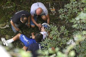 Remco Evenepoel po páde na pretekoch Okolo Lombardska.