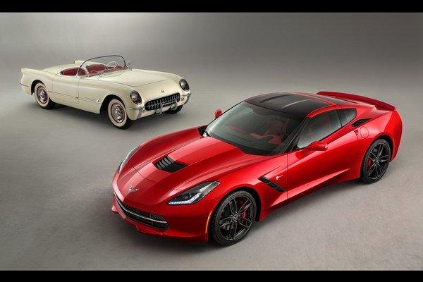 Automobilka Chevrolet si novým modelom Corvette pripomína jeho prvú generáciu, ktorú predstavila svetu pred 60 rokmi.