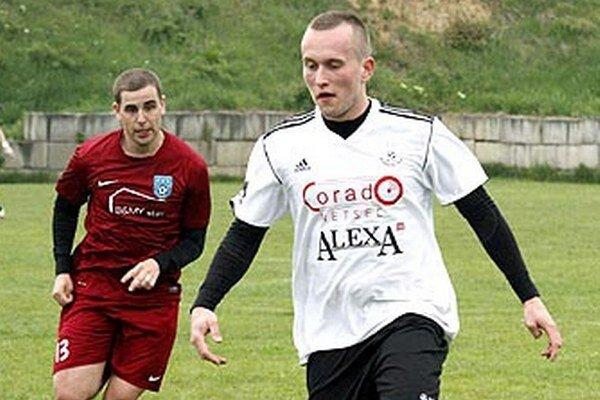 Strelci gólov v zápase - zľava Bohuš Luzár a Michal Volentier.