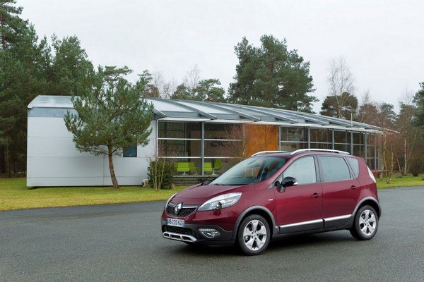 Na Renault Captur nadviaže kríženec crossoveru a rodinného MPV Renault Scénic XMOD.