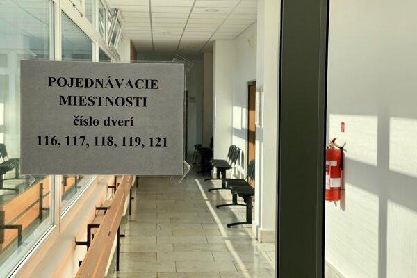 Vyľudnený Okresný súd v Trenčíne